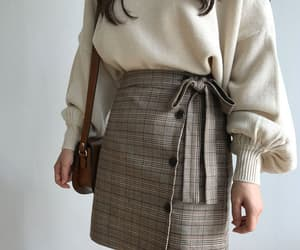 fashion, beige, and korean image