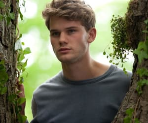 jeremy irvine and now is good image