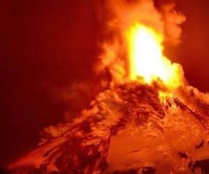 chile, 😫, and erupting image