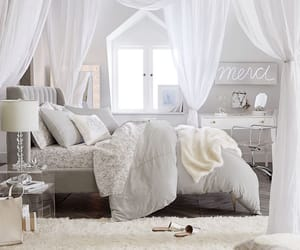 decor and style image