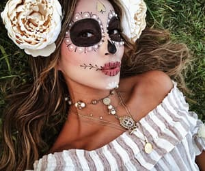 Halloween, sincerelyjules, and julie sarinana image