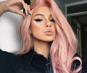 pink hair, eyeliner, and hairstyle image