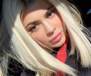 kylie jenner, jenner, and makeup image