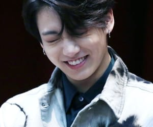 k-pop, jeon jungkook, and smile image
