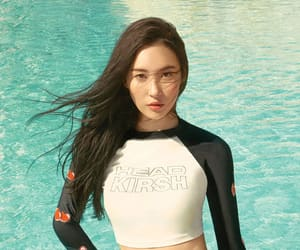 sunmi and photoshoot image