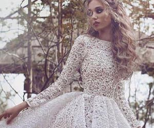 custom prom dresses, prom dresses lace, and ivory prom dresses image