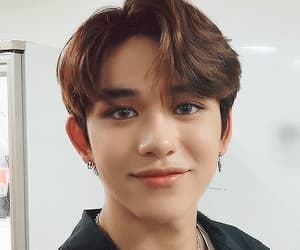 gif, ♡nct♡, and lucas image