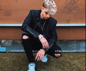 wdw, corbyn besson, and why dont we image