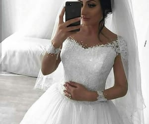 beautiful, bride, and glitters image