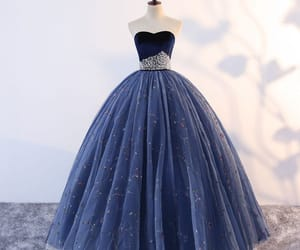 formal dresses, sweetheart dress, and 2019 image