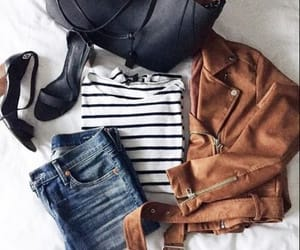 college outfit image