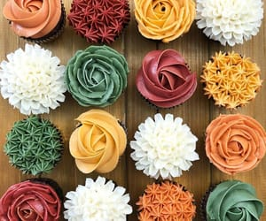 autumn, beauty, and cupcakes image