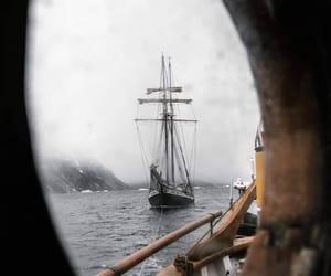 sea and ship image