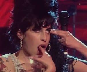 Amy Winehouse, grunge, and aesthetic image