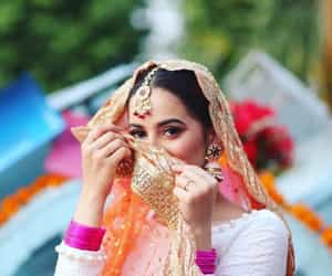traditional style, pakistani bride, and aiman khan image