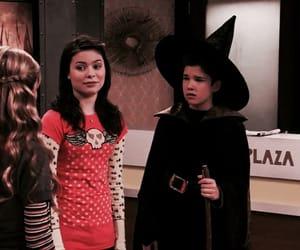 Halloween and icarly image