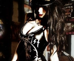 dark, rock, and alternative girl image