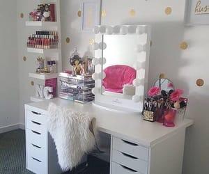 home and make up image