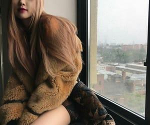 k-pop, blackpink, and lisa image