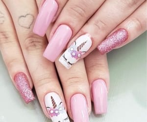 style and unhas image