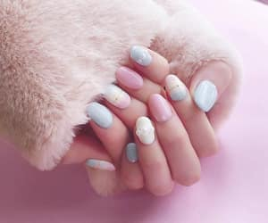 nails and upload image