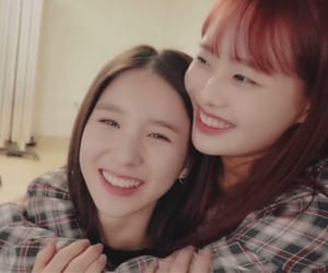 kpop, chuu, and heejin image