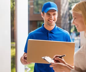 courier service in ottawa image