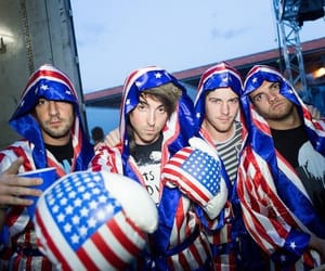 alex gaskarth, all time low, and america image