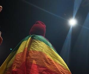 Tyler Joseph wear pride flag 🏳️🌈