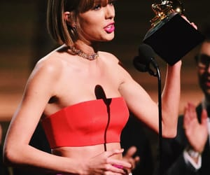 grammy and Taylor Swift image