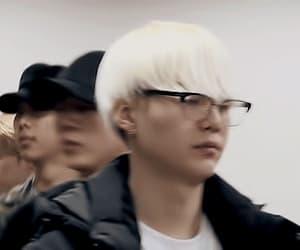 gif, yoongi, and k-pop image