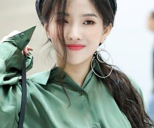 (g)i-dle, soyeon, and idle image