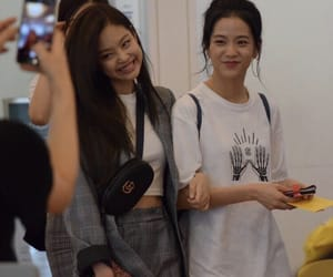 kpop girls, blackpink, and kim jisoo image