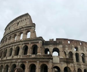 coliseo, italia, and romano image