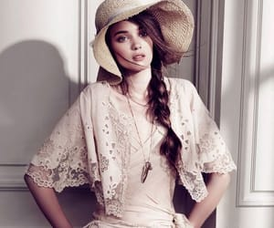 aesthetic, girl, and lace image