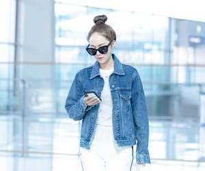 airport, kpop, and jessica snsd image