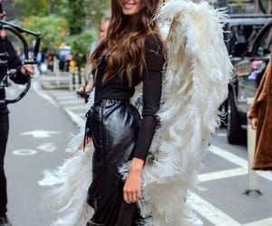 angel, artist, and taylor hill image