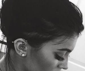 kylie jenner, kylie, and piercing image