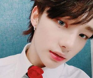 asian boy, kpop, and hyunjin image