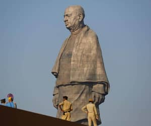 statue of unity and ram sutar image