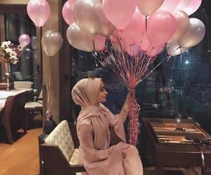 balloon, حجاب, and محجبات image
