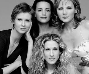 Carrie Bradshaw, sex and the city, and kristin davis image