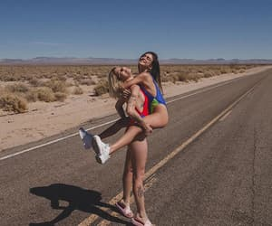 amizade, blonde, and body image