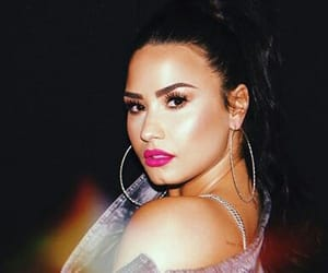accesories, beautiful, and demi lovato image