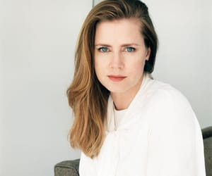 Amy Adams, sharp objects, and camille preaker image