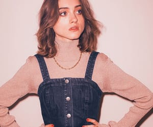 natalia dyer, stranger things, and pink image
