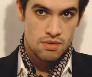 brendon urie, gif, and panic! at the disco image