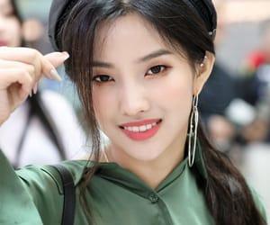 (g)i-dle, jeon soyeon, and soyeon image