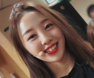loona, asian, and girls image