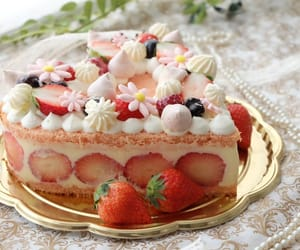 cake, japan, and japanese food image